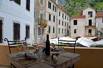 Eating-out-in-Provenc