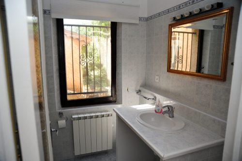 La Veranda Bathroom