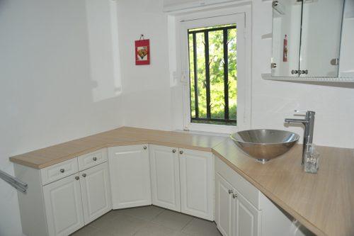 Villa-Rental-Provence-Mas-du-Chene-Bathroom