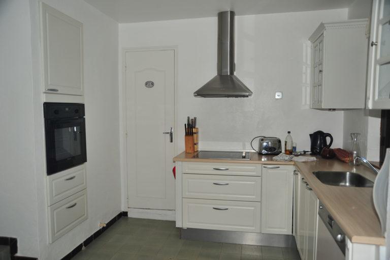 Villa-Rental-Provence-Mas-du-Chene-Kitchen