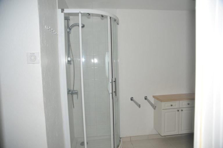 Villa-Rental-Provence-Mas-du-Chene-Shower