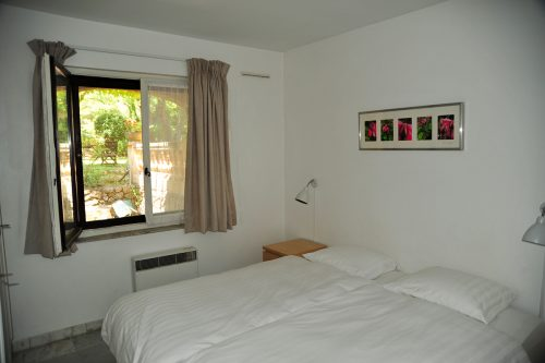 Holiday-Rental-Nice-Bedroom