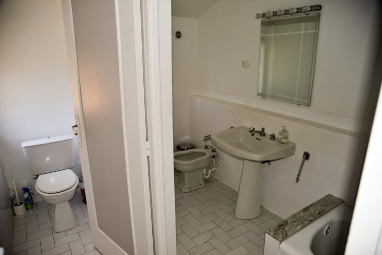 provence-holiday-apartment-grasse-bathroom