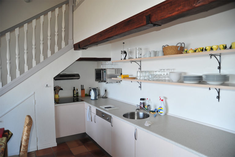 provence-holiday-apartment-grasse-kitchen-2