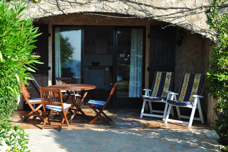 self-catering-gites-antibes-antibes-patio