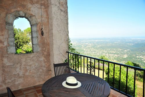 self-catering-gites-cabris-balcony-south