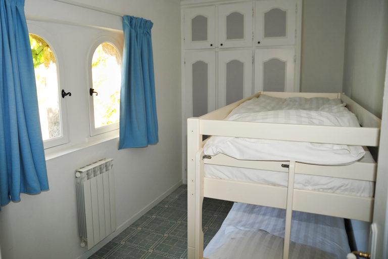 self-catering-gites-cabris-kids-bedroom
