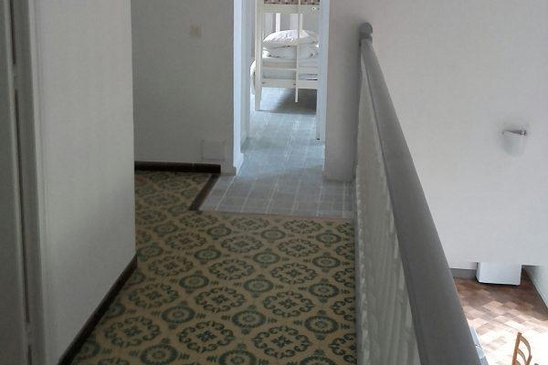 self-catering-gites-cabris-walkway