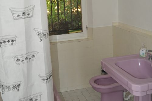 Vacation-Rent-Apartment-Saint-Tropez-Bathroom