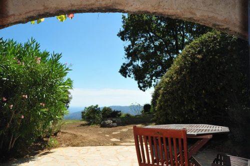 Vacation-Rent-Apartment-Saint-Tropez-Patio