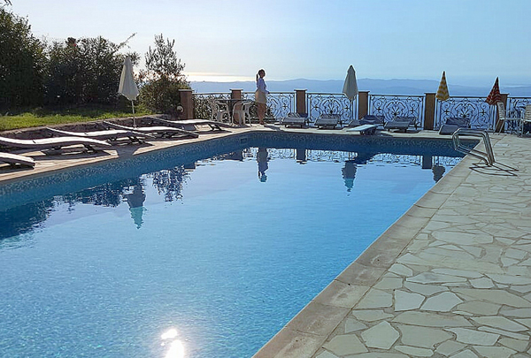 heated-pool-and-panoramic