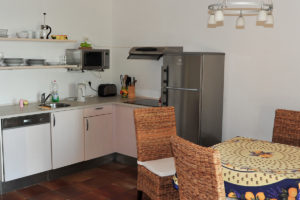 self-catering-gites-antibes-antibes-kitchen
