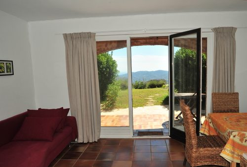 Vacation-Rent-Apartment-Saint-Tropez-Livingroom