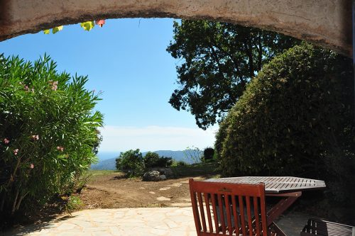 Vacation-Rent-Apartment-Saint-Tropez-Patio