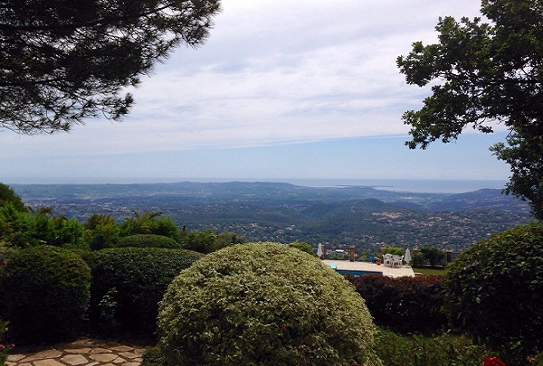view-to-cannes-from-our